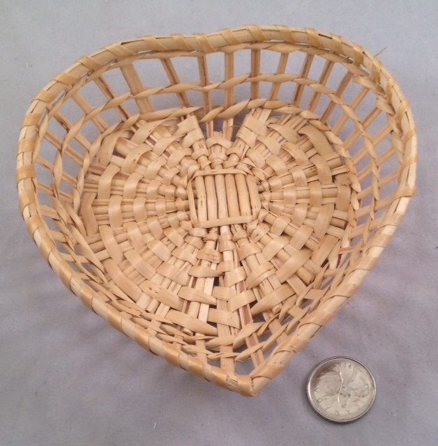 Heart Willow Basket - Natural - 5